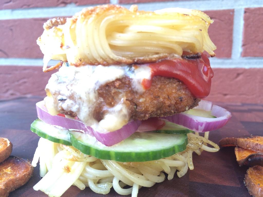 Burger mit Spaghetti?