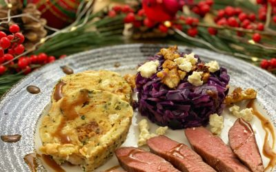 Lammlachs mit Serviettenknödel und Rotkohlsalat