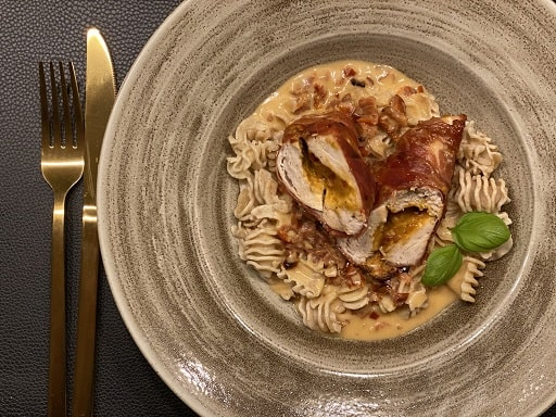 Gefüllte Hühnerbrust mit ConsorcioSerrano Schinken